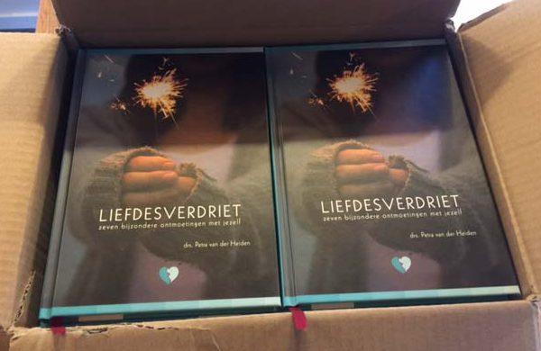 boeken-liefdesverdriet-in-doos